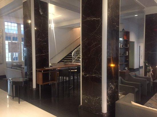 Le Meridien Dallas, The Stoneleigh: Lobby