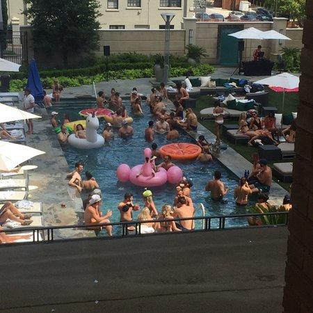 Le Meridien Dallas, The Stoneleigh: Saturday pool party