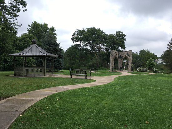 Pinafore Park