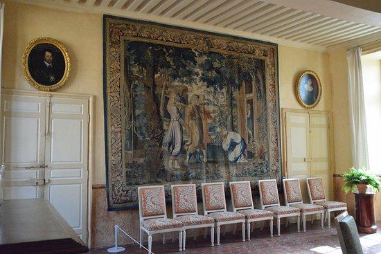 Carrouges, France: Une des pièces avec une tapisserie représentant Jacob et les 3 anges