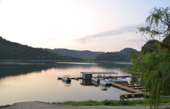 The Retreat At Center Hill Lake: Boat dock and ramp