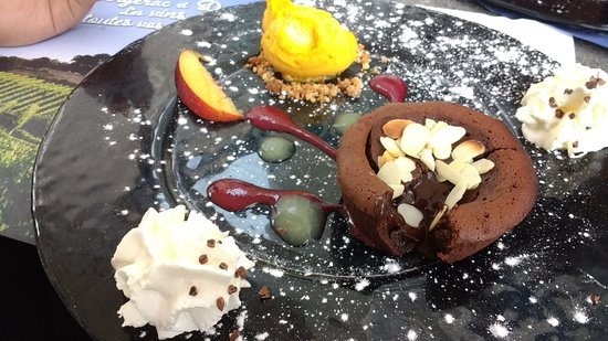 Nontron, France: chocholate cake with a liquid chocholate middle