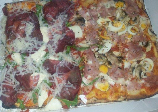 Biancavilla, Италия: Pizza rucola e capricciosa