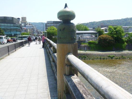 Sanjo Ohashi Giboshi Sword Scar : 該当する擬宝珠