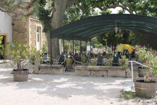 Roquemaure, Frankreich: La terrasse d'une autre vue