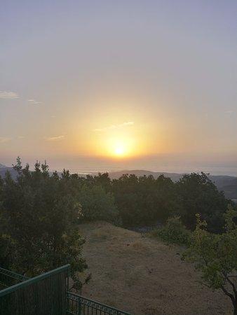 Lanusei, Italy: Alba sul golfo di Arbatax