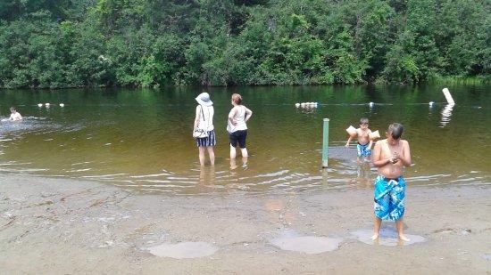 Cowansville, Канада: la baignade