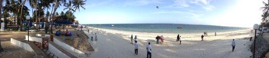 Kenya Bay Beach Hotel: Bamburi Beach Panorama