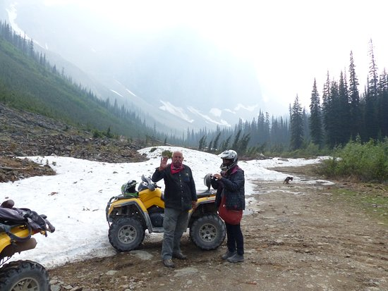 Golden, Kanada: drive up to where the snow remains in July