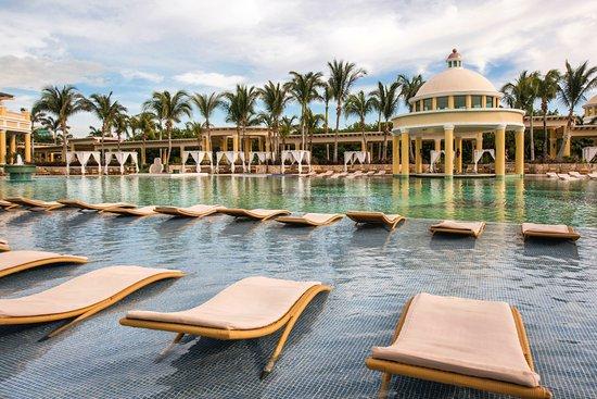 Iberostar Grand Hotel Paraiso : Área de Piscina - IBEOSTAR GRAND HOTEL PARAÍSO - Riviera Maya