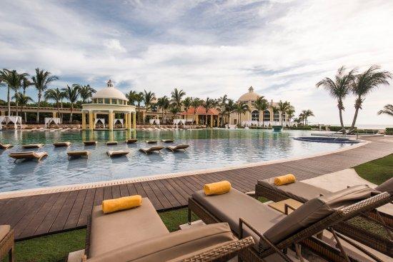 Iberostar Grand Hotel Paraiso : Área de Piscina - IBEROSTAR GRAND HOTEL PARAÍSO - Riviera Maya