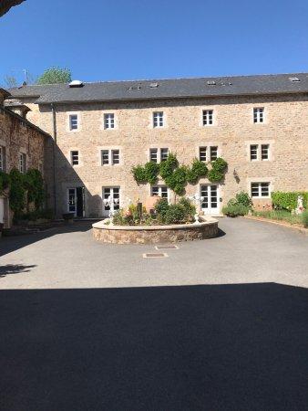 Hostellerie de fontanges hotel onet le ch teau france for Piscine onet le chateau