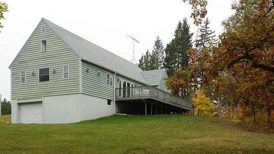 Osage, MN: LadySlipper Inn Lodge