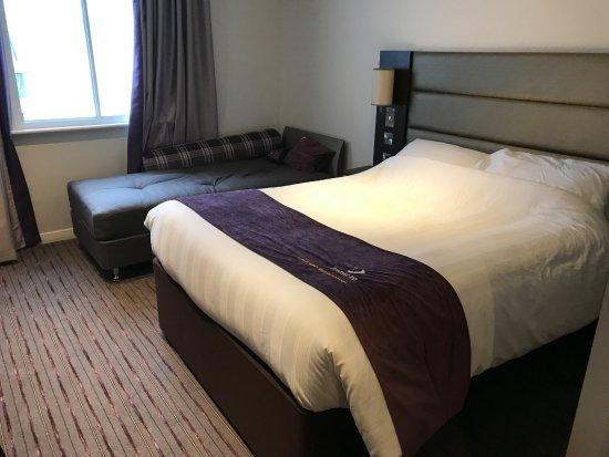 Premier Inn Manchester West Didsbury Hotel: Our room 110