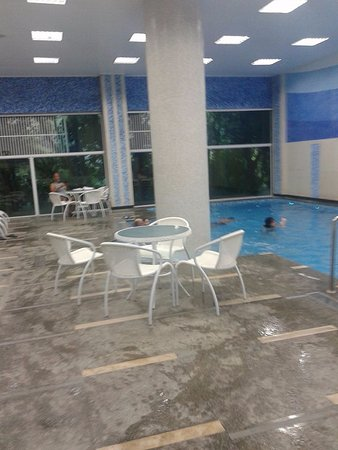 Hotel Porto Real : piscina aquecida e coberta