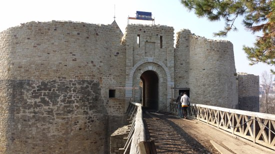 Suceava Fortress: entrance to the fortress