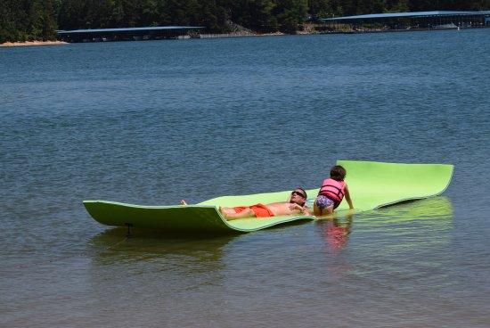 Acworth, GA: Relax, you're on lake time!