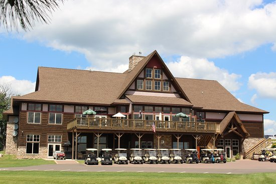 McGregor, MN: The clubhouse and restaurant