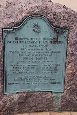 Watertown, Nova York: A plaque