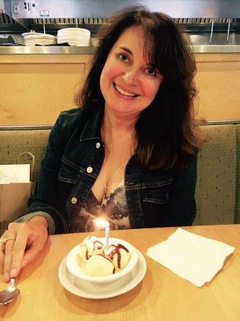 Delafield, WI: Yummy dessert for my birthday lunch!