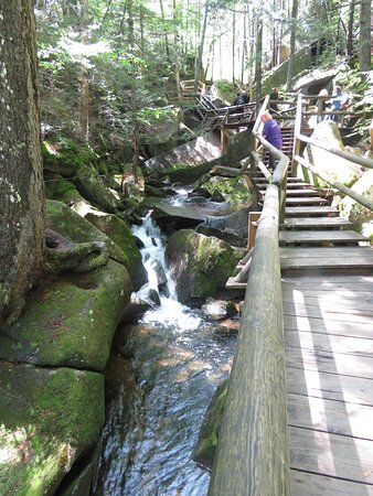 Woodstock, Nueva Hampshire: It's very much like the Franconia Notch Flume here.