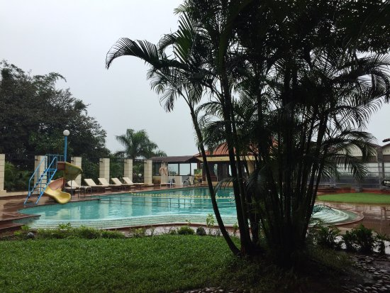 The Dukes Retreat: Pool area