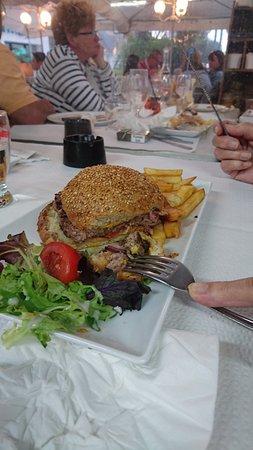 Le Grand Bleu Restaurant Saint Gilles