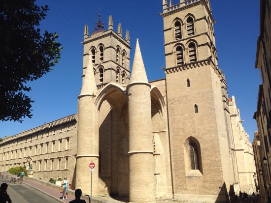 Cathedrale St-Pierre: photo2.jpg
