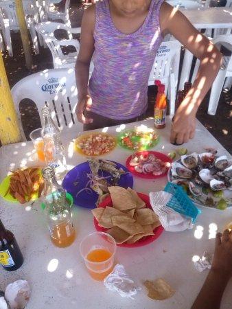 Playas Novillero, เม็กซิโก: Botaneros en San Cayetano cerca de playa Novillero! a 5 minutos de novilleros