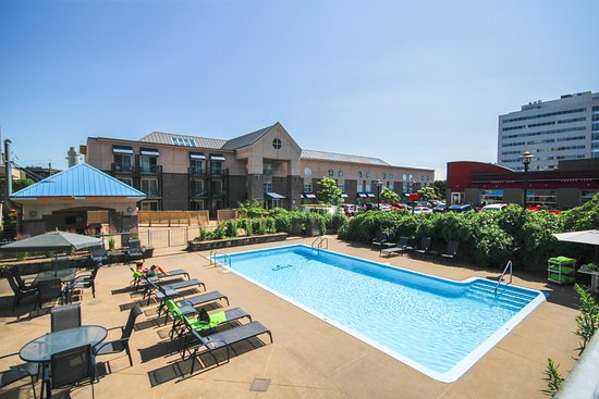 Piscine Exterieure Outdoor Pool Picture Of Lindbergh Hotel