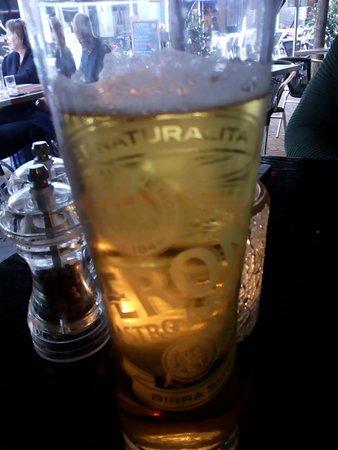 Gezien door mijn bier.......