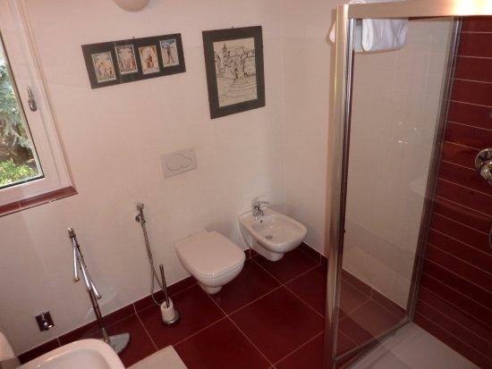 Casa caccia rooms and apartment b b appiano gentile for Opzioni di raccordo economici