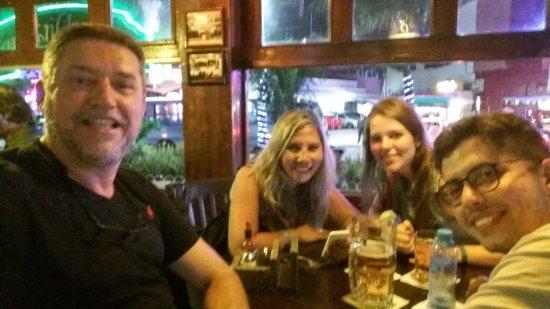 Carlos'n Charlie's Cancun: Celebrando as férias...