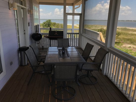Harbor Island, SC: Screened in porch