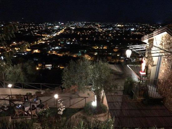 Seravezza, Italia: CasAle by night