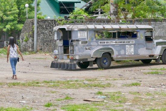 Bulusan, الفلبين: Sehr schöne und einsame Strände. Es ist die tiefste Provinz, aber auch sehr schön und unverdorbe
