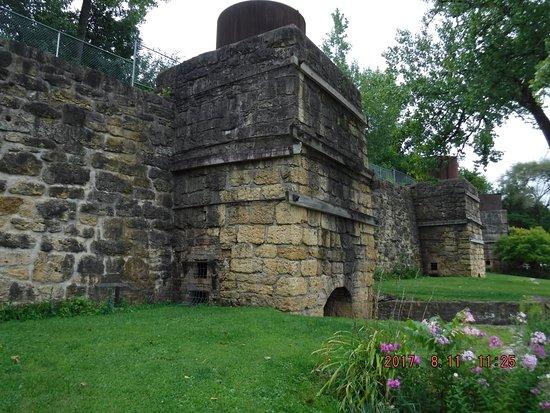 Maquoketa, IA: Hurstville Lime Kilns - oven