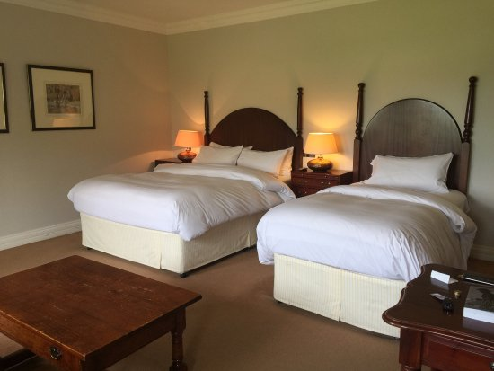 Dunraven Arms Hotel: photo3.jpg