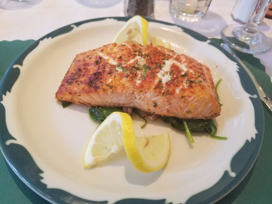 Hammonton, NJ: broiled salmon over plain spinach