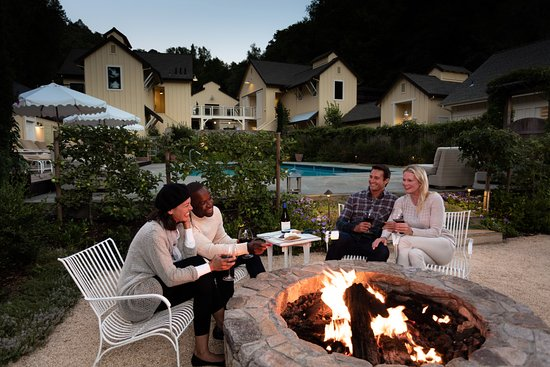 Forestville, Califórnia: Farmhouse Inn homemade smores by the fire