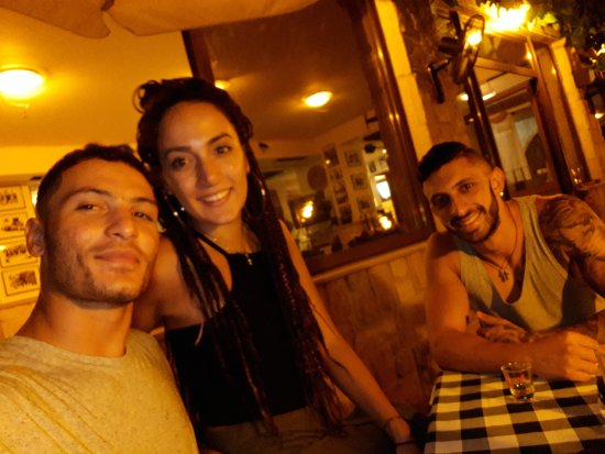 Tala, Κύπρος: We love melitzia tavern and the whole stuff!!! Great food and amazing people !!!!!!!!! ❤❤❤