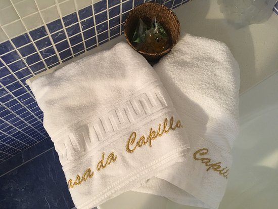 Vila de Cruces, Spanien: Baño nuevo en planta altillo, cuidado al detalle