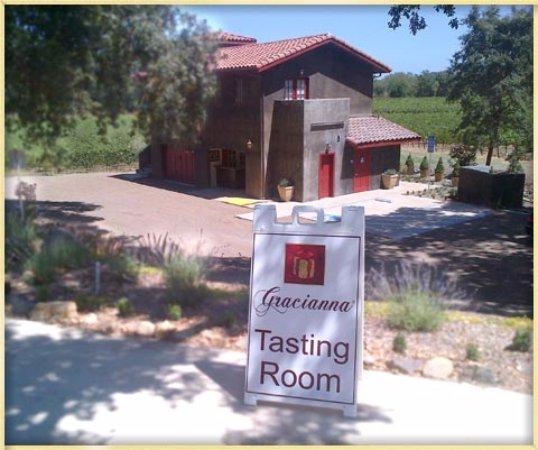 Healdsburg, CA: The Gracianna Tasting Room