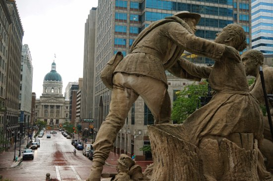 Colonel Eli Lilly Civil War Museum - Soldiers & Sailors Monument