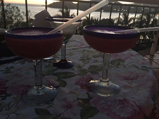 Catalina Beach Resort: 2 for 1 drinks