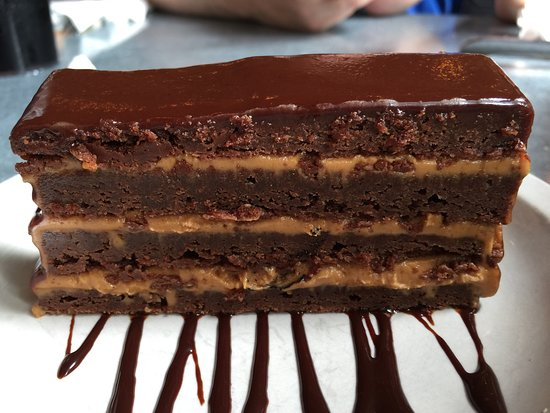 Pies & Pints Pizzeria: Chocolate Peanut Butter Brownie Terrine