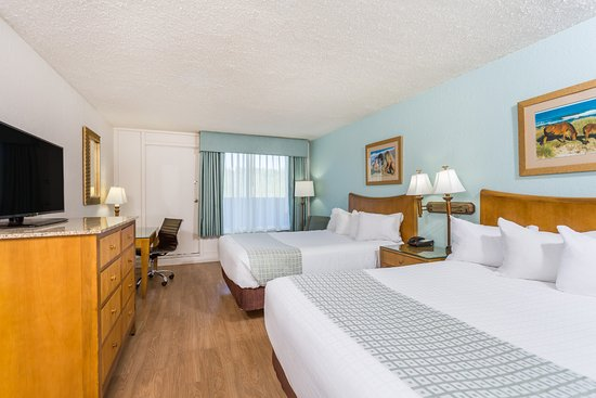 Ramada Plaza by Wyndham Nags Head Oceanfront: Guest Room