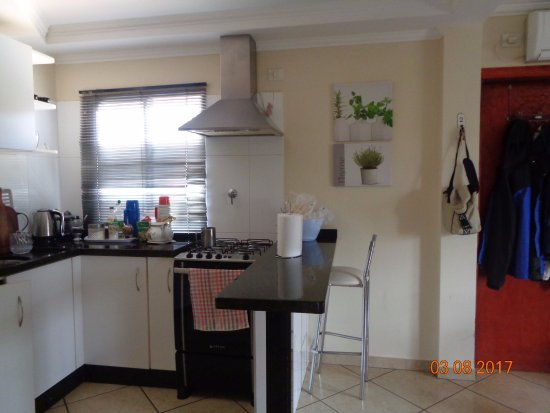 cómoda cocina comedor - Picture of Ocio Apart, Puerto Iguazu ...