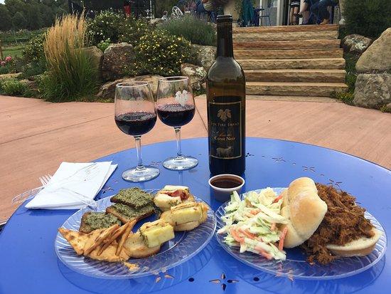 Ignacio, CO: Friday evening of wine and music