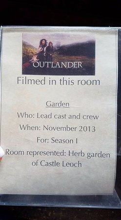 Culross, UK: Typical sign in each room describing how it was used in filming